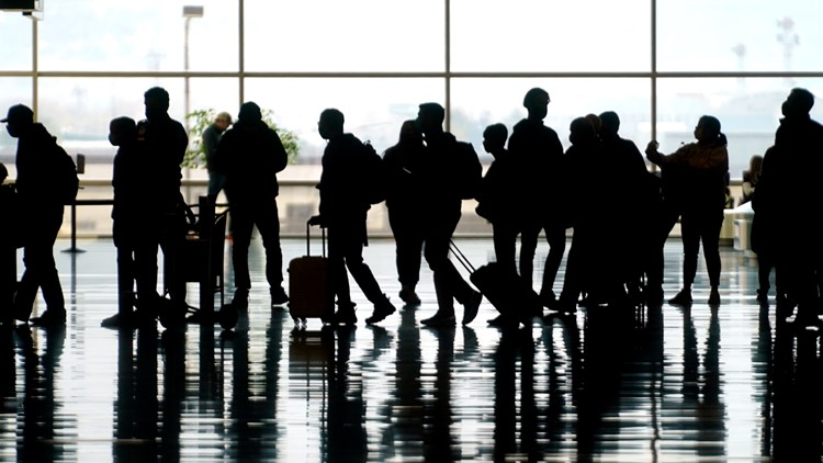 US plans to require COVID-19 shots for foreign travelers