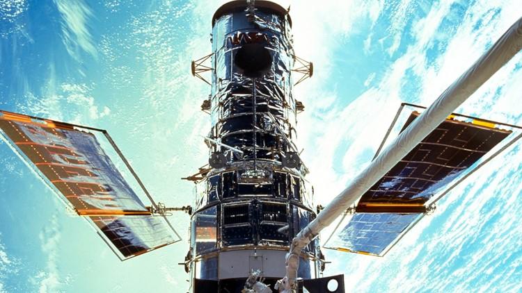 Hubble Space Telescope computer shuts down, possible bad memory board