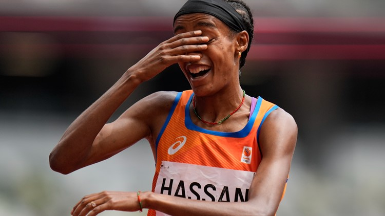 World champ Sifan Hassan falls during 1,500-meter, gets up and wins