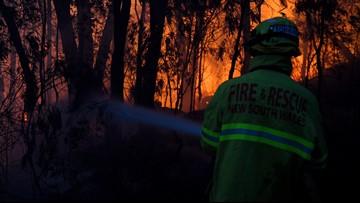 2 dead, dozens injured as Australia wildfires raze homes