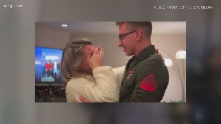 Marine surprises family with early homecoming just in time for Christmas
