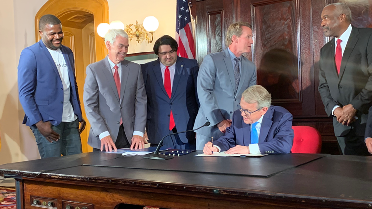 Ohio Gov. Mike DeWine signs executive order allowing college athletes to profit off of name, image and likeness