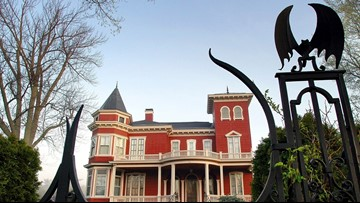 Stephen King opening his Maine mansion to writers in residence