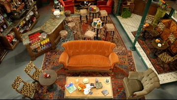 """""""Friends"""" couch on display in Niagara Falls"""