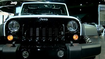 Fleet of Jeeps invades Toledo for weekend celebration