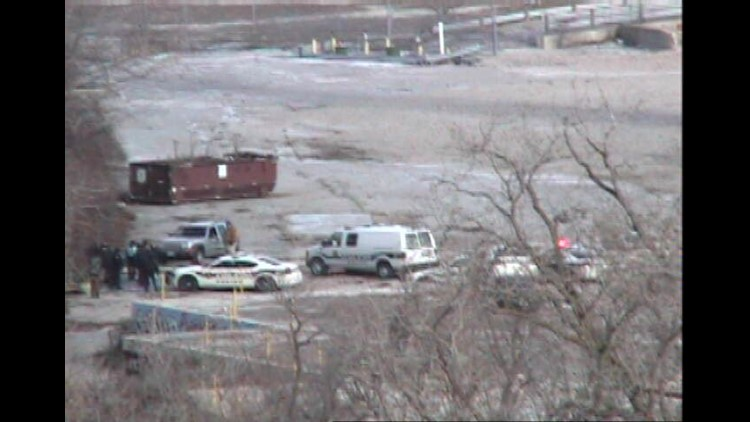 UPDATED--Suspect fleeing TPD jumps into Ottawa River