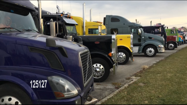 Small business truckers protest electronic logs in Lima