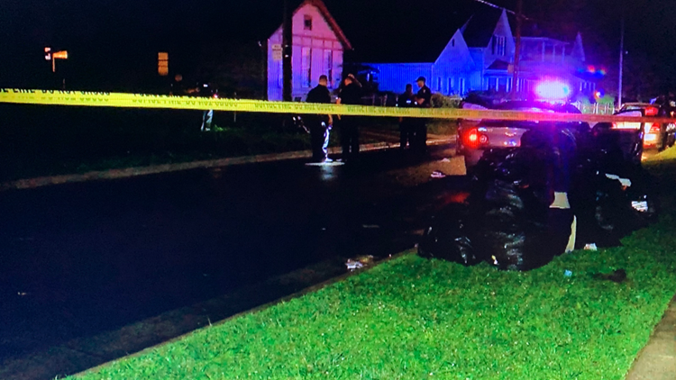 Woman sent to hospital after Saturday night shooting in central Toledo