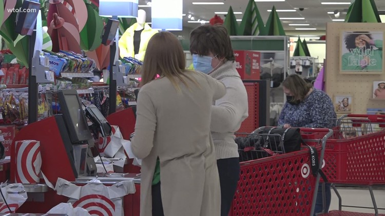 Consumer experts: Now is the time to start budgeting for the holidays