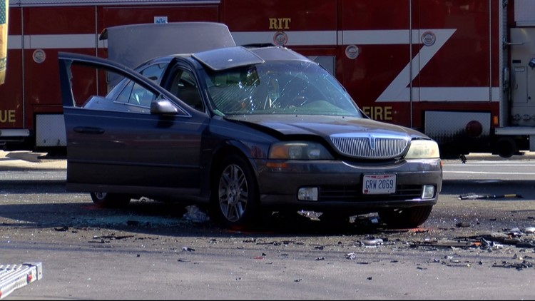 Fatal crash south Toledo Saturday morning