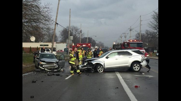 Several people taken to hospital after four-car crash in west Toledo |  wtol.com
