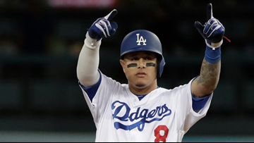 Reports: Manny Machado agrees to massive deal with San Diego Padres