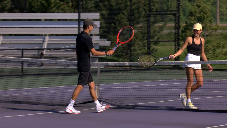 Perrysburg's Deal siblings battle for tennis sectional championship