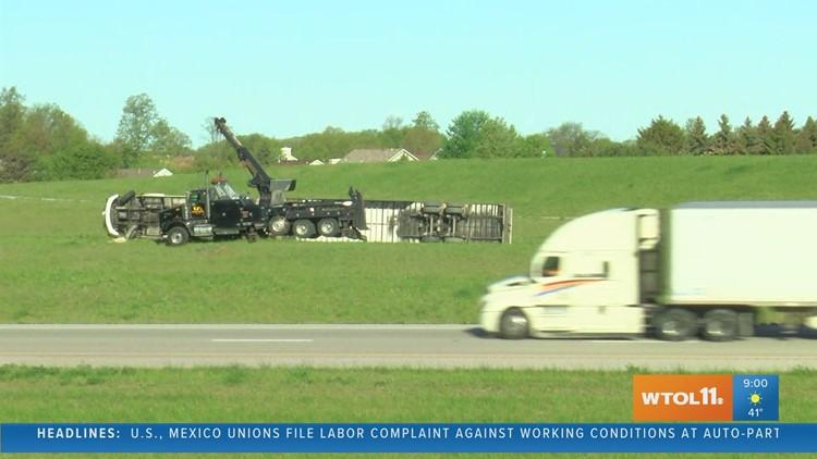 Semi rollover crash blocking SB I-75 to NB I-475 ramp in Wood Co.