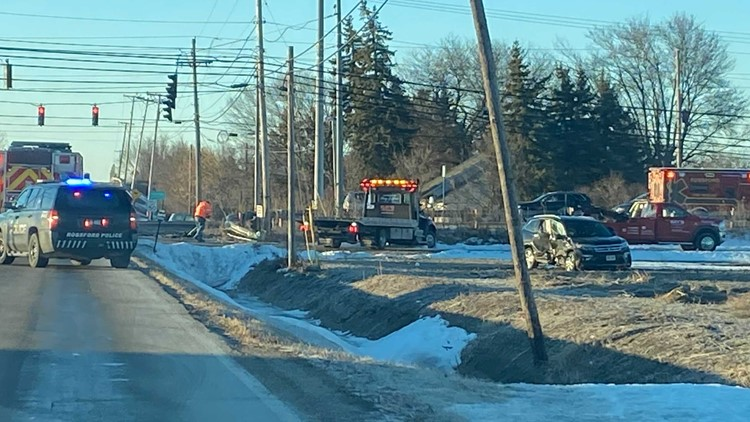 Injury crash reported near Rossford Elementary School