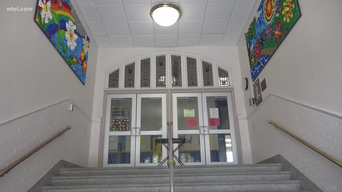 Historic Lincoln Elementary holding open house for one last trip down memory lane