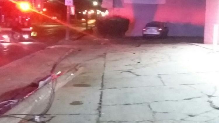 Crash Auburn Ave.
