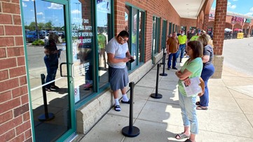 Ohio BMVs reopen to long lines