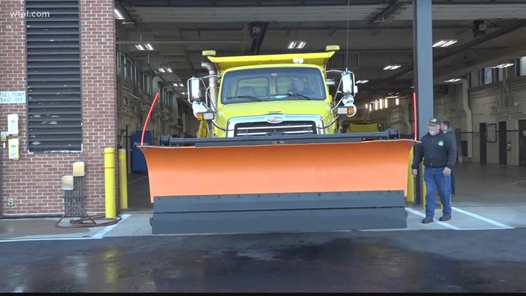Ohio Turnpike prepares plows for winter