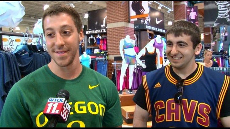promo code 0d8b9 cf27c Fans rush to sporting goods store after Cleveland takes ...