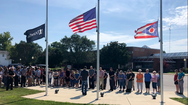 University of Findlay holds moment of silence in observation