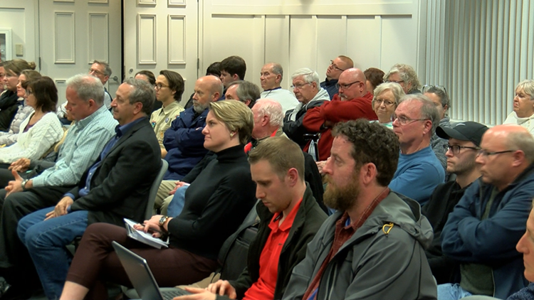 11 Investigates: Maumee administrator placed on leave after city council meeting, sparking heated discussion