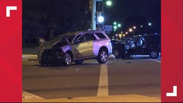 1 dead in overnight central Toledo crash