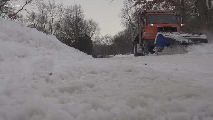 Toledo snowplow drivers working overtime to keep you safe