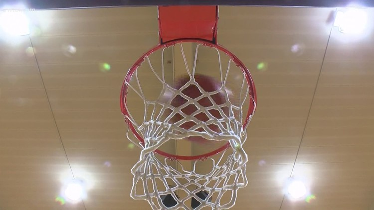 Maumee's student manager scores memorable basket | WTOL 11 morning team chats