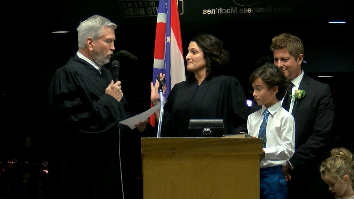 Rock n' Roll Judge' sworn in to Toledo Municipal Court