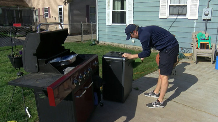 Whitmer hockey coach cooking meals for players to stay connected