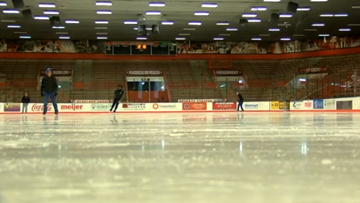 Bowling Green ice rink offers activities for the whole family