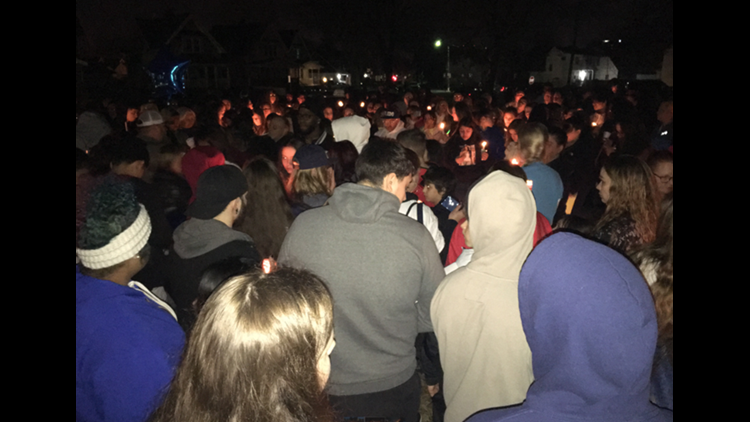 Community remembers Alexia Carey after east Toledo shooting