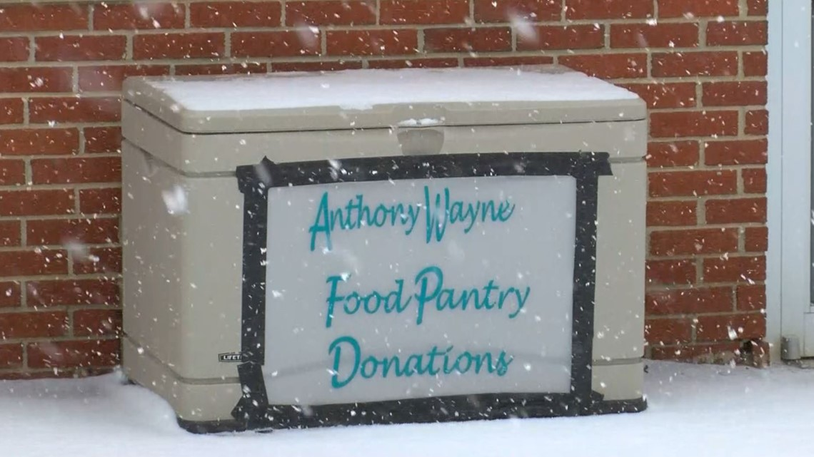 Whitehouse community floods local pantry with food, gifts for holiday