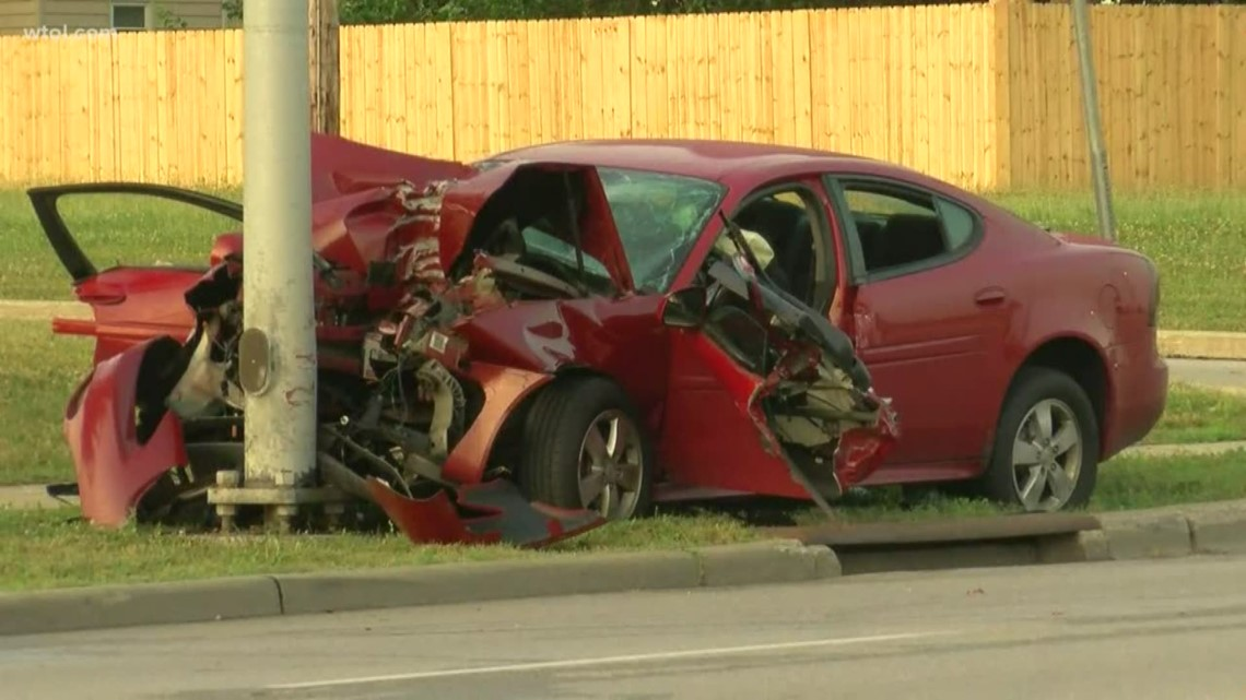 1 dead, 1 seriously injured in east Toledo crash | wtol com