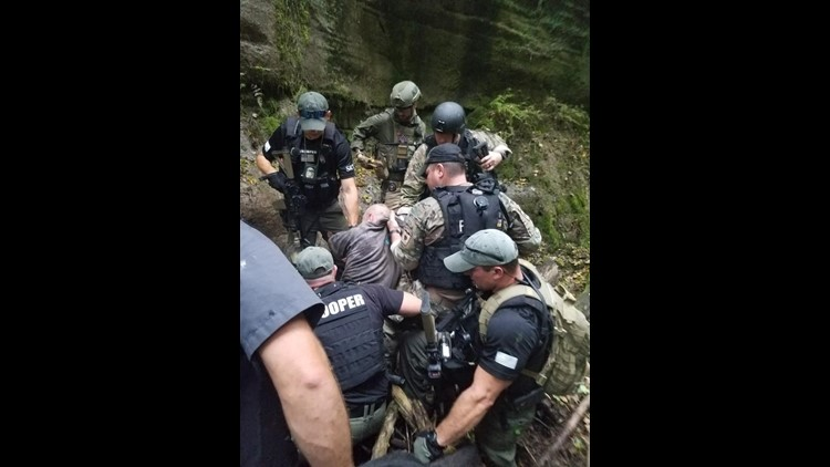 Fugitive who allegedly threatened president captured in Ohio