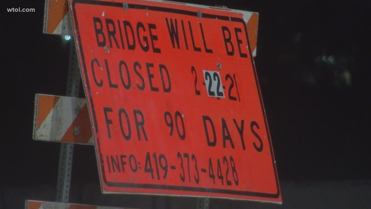 Fallen Timbers Lane bridge over US 24 closes for 3 months