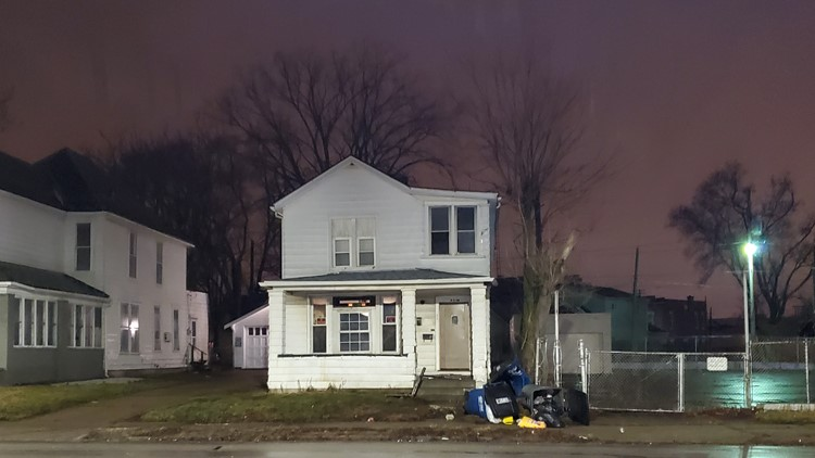 No one injured after car crashes into porch in south Toledo