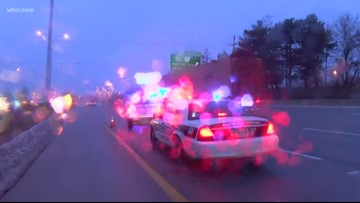 Rollover crash closes lanes of NB I-75