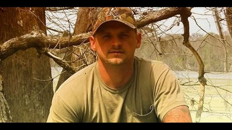 Swamp People' Randy Edwards dies in car crash, sources say