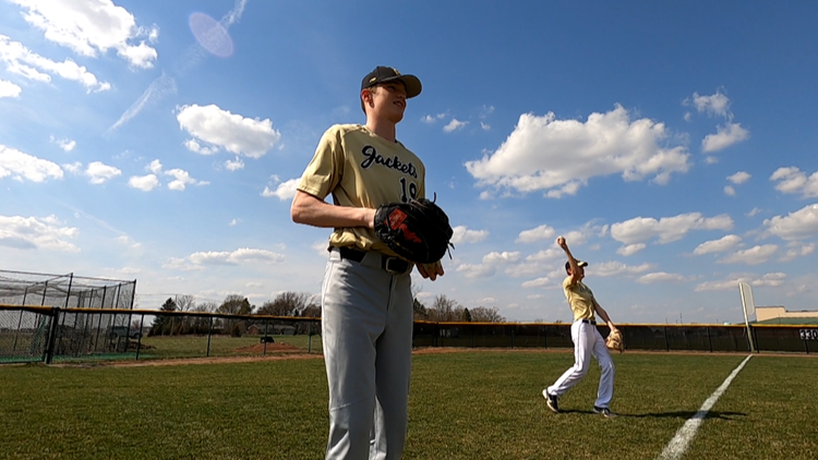 Perrysburg's Takats to play baseball at BGSU, changing sides in the Battle of I-75