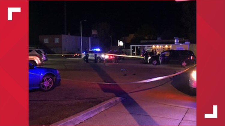 Man dies after being shot by woman outside west Toledo bar