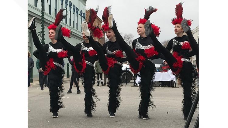 Dancers Bowling Green parade