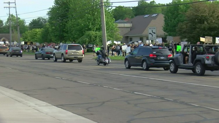 350 turn out for peaceful protest in Lambertville