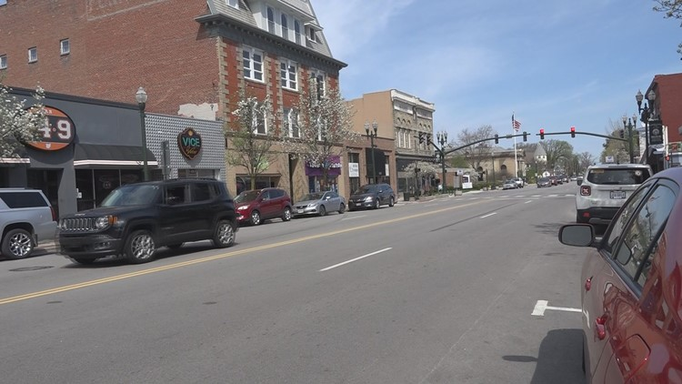 Bowling Green City Council considering adding 'parklets' for on-street dining