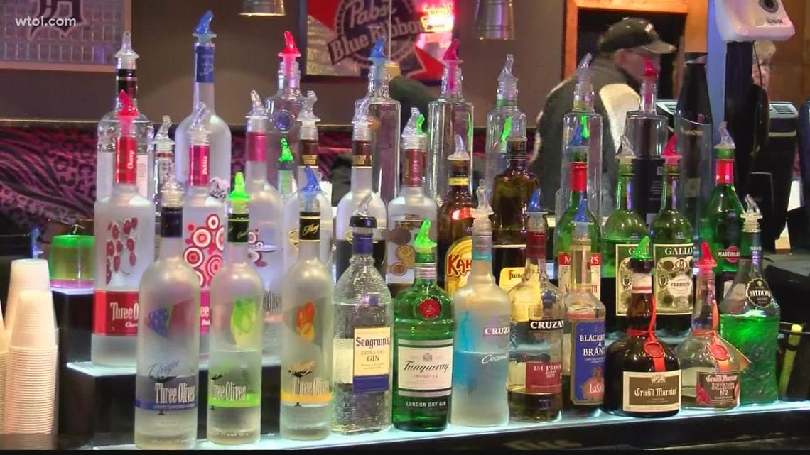 Experts warn of binge drinking dangers as students return to college