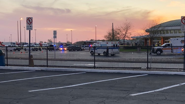 Standoff situation reported at Ohio Turnpike plaza in Sandusky County