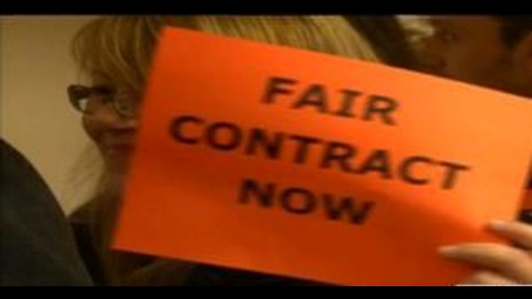BGSU faculty conduct silent demonstration for contracts