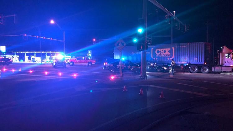 2 injured in crash involving semitrailer; Holland-Sylvania Rd. closed at Airport Hwy.