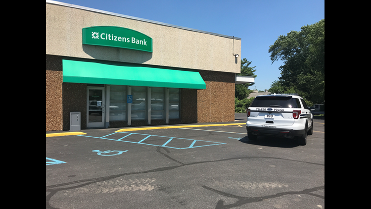TPD releases suspect photo in Citizens Bank robbery